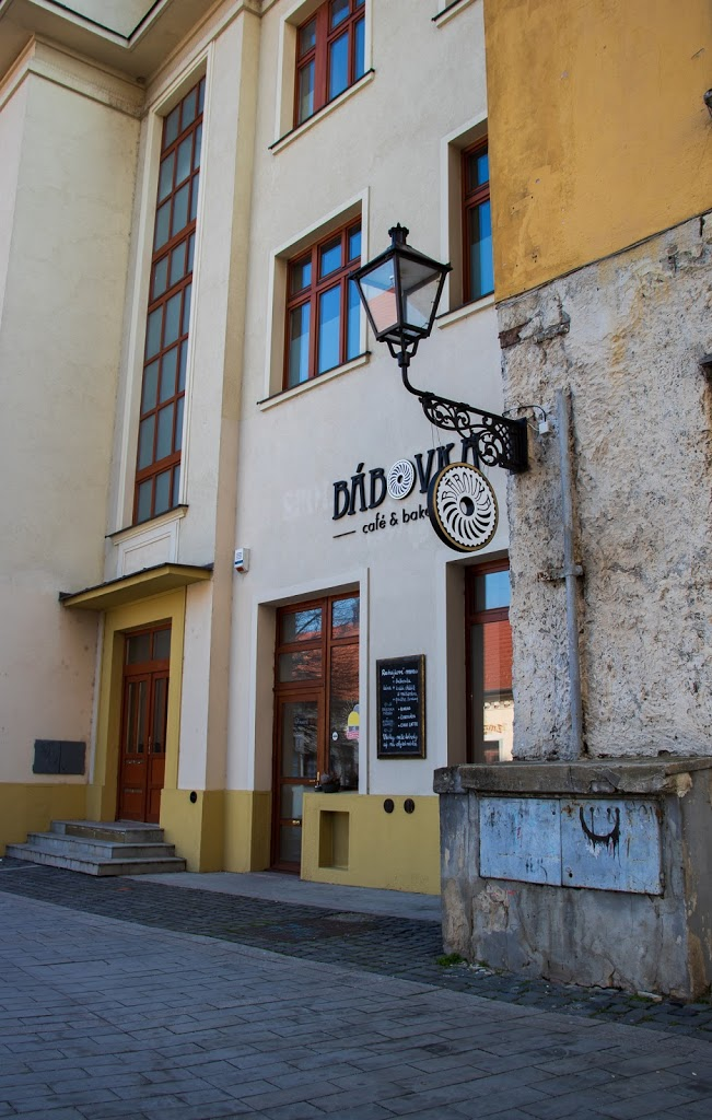 kaviareň Bábovka v Trnave