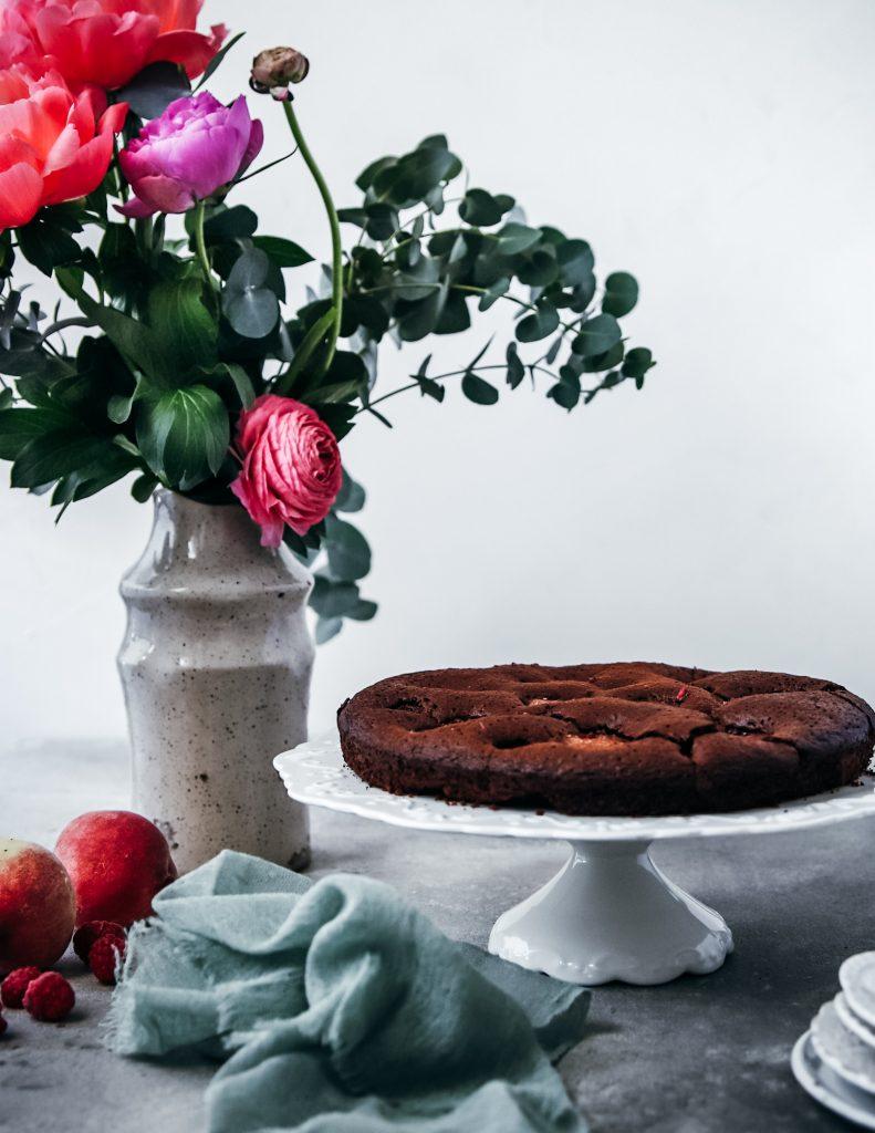 čokomalinovo-broskyňový koláč